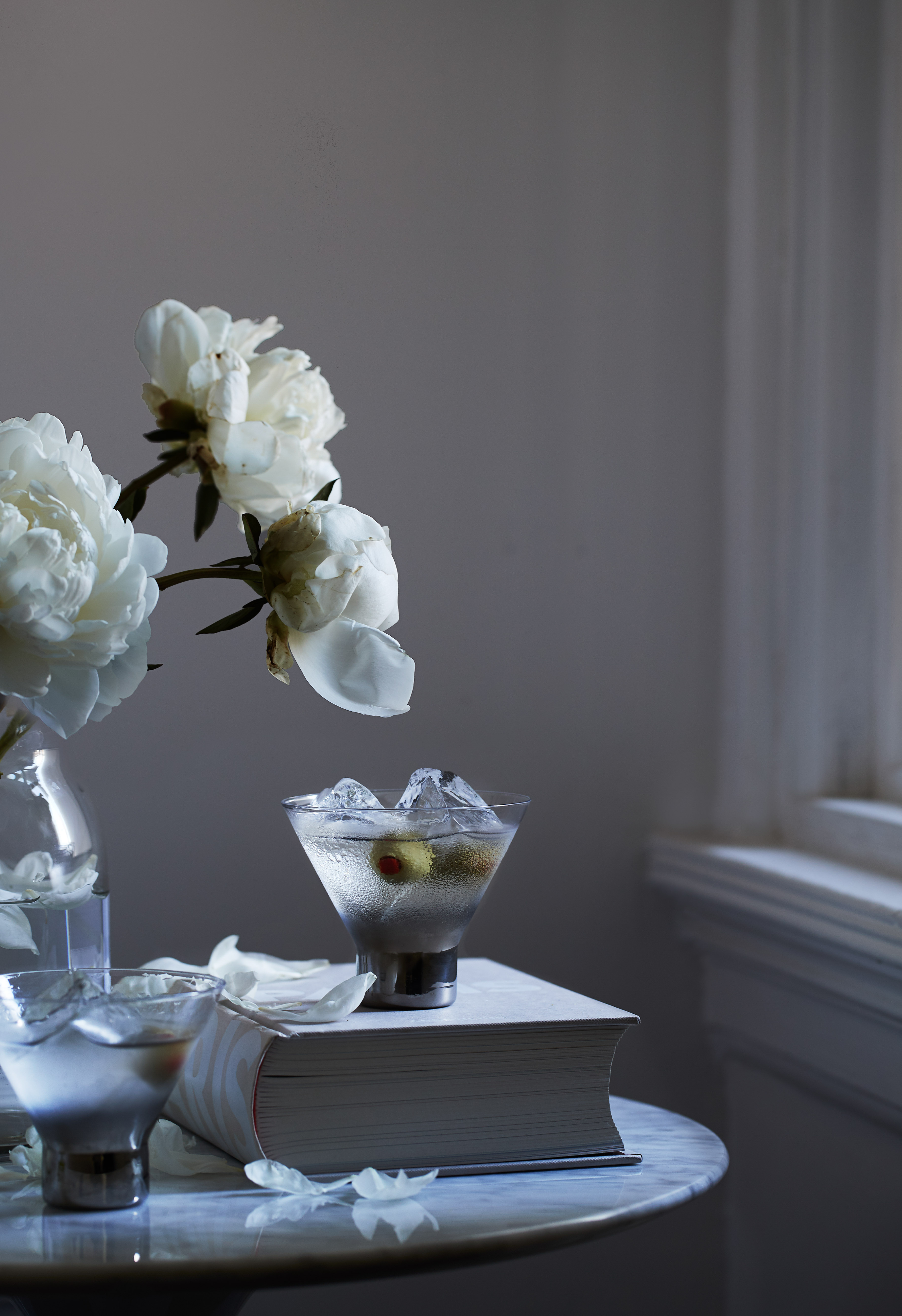 food stylist in San Francisco - Vodka on the rocks with peonies in Paris, photographed by Laurie Frankel photographer