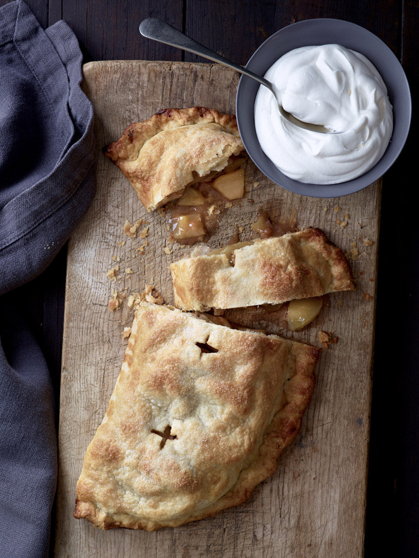 food stylist in San Francisco - Harvest apple pie for The apple cookbook - Olwen Woodler photographer photographed by Leigh Beisch Photographer photographer